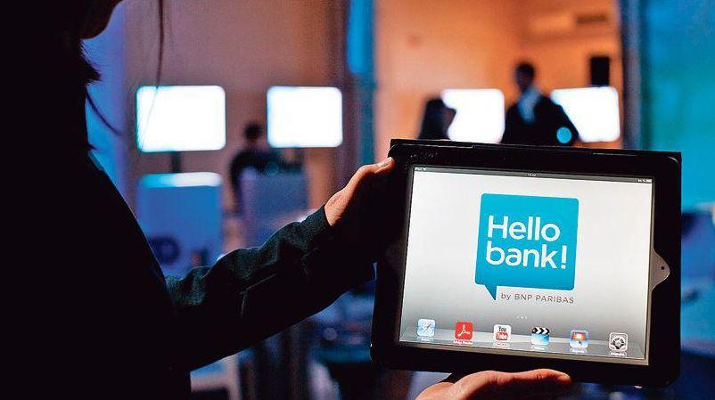 Header HelloBank